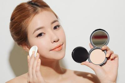 CÓ GÌ Ở TRONG SK-II COLOR CLEAR BEAUTY POWDER FOUNDER?