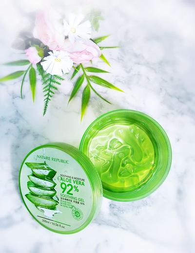 Review gel dưỡng Nature Republic Soothing & Moisture Aloe Vera 92 Soothing Gel
