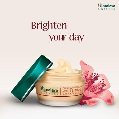 2. KEM DƯỠNG TRẮNG HIMALAYA HERBALS CLEAR COMPLEXION WHITENING DAY CREAM