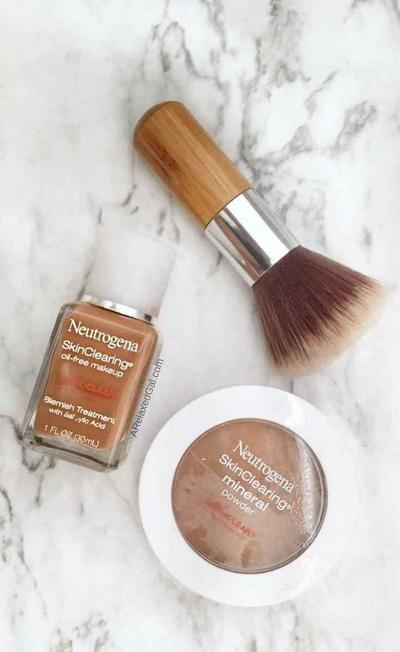 2. NEUTROGENA SKIN CLEARING OIL-FREE MAKEUP
